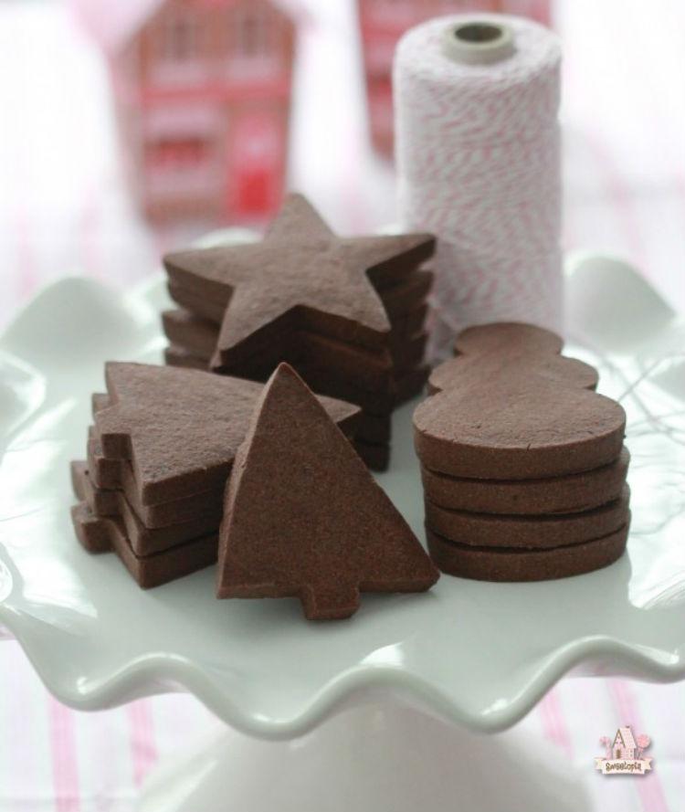 Chocolate-Sugar-Cookie-Recipe1-590x699