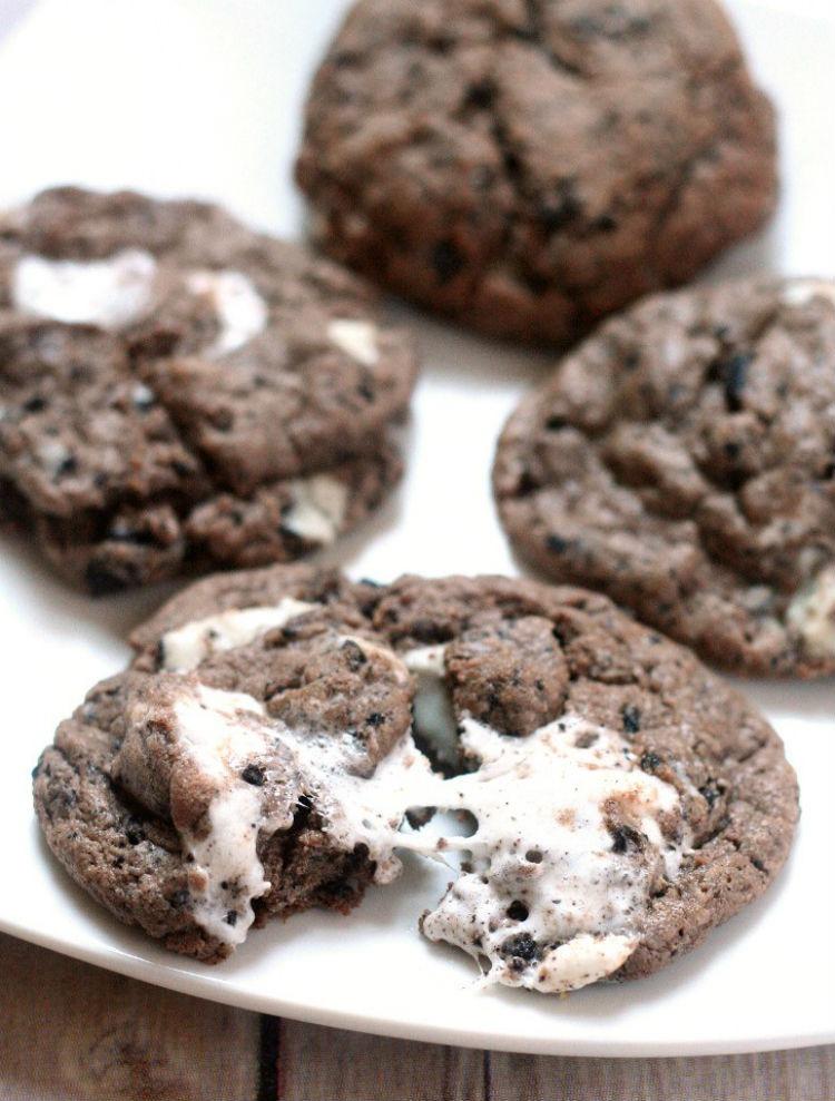 Marshmallow Oreo Cookies